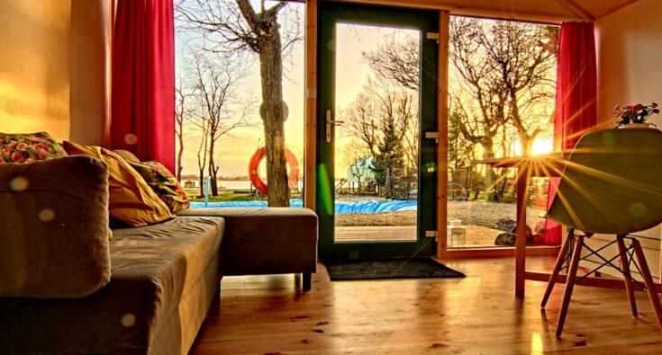 front_violet_1 Mielno - domek na drzewie