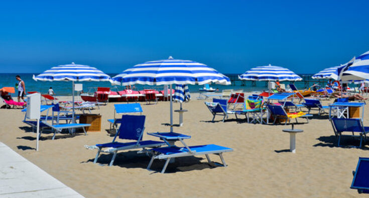 rimini-spiaggia obbrelloni 3